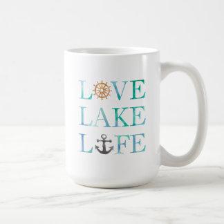 Typographie nautique d'aquarelle de la vie de lac mug