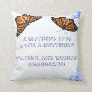 Un amour de mère - papillon oreiller