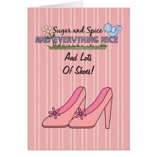 Un bon nombre de filles de carte de chaussures