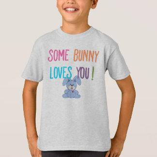 Un certain lapin vous aime badine le T-shirt