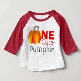 Un graphique automnal drôle de citrouille mignon t-shirt pour bébé