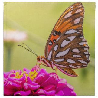 Un papillon d'été serviettes en tissus