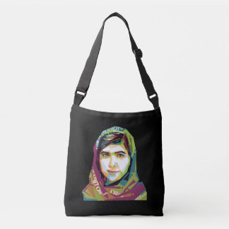 Un sac foncé de bride de fille