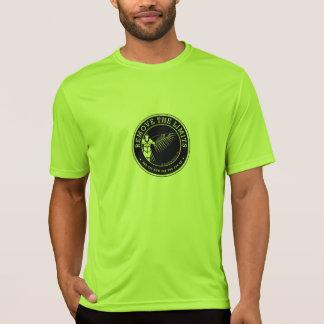 Une chemise plus spacieuse et plus lumineuse de t-shirt