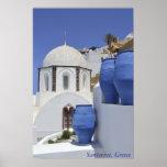 Une église dans Santorini, Grèce Affiche
