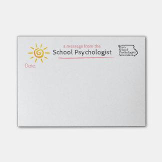 Une note ensoleillée du psychologue d'école de post-it®