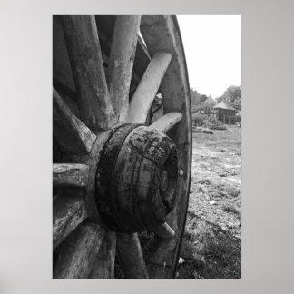 Une vieille roue de chariot