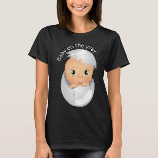 Usage mignon de bébé pour la maternité, bébé sur t-shirt