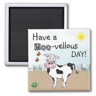 Vache et petites créatures - aimant de réfrigérate