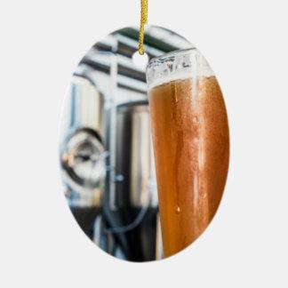 Verre de bière à la microbrasserie ornement ovale en céramique