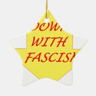 Vers le bas avec le fascisme ornement étoile en céramique