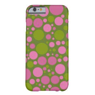 Vert de mousse foncé et pois rose foncé coque barely there iPhone 6