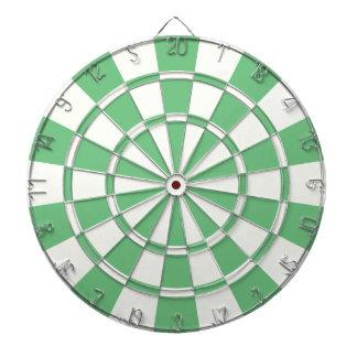 Vert et blanc jeu de fléchettes