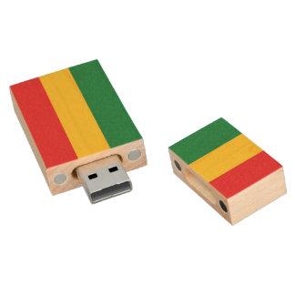 Vert, or (jaune) et drapeau de couleurs rouges clé USB 2.0 en bois