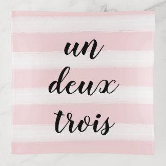 Vide-poche L'ONU, Deux, rose français de typographie de Trois