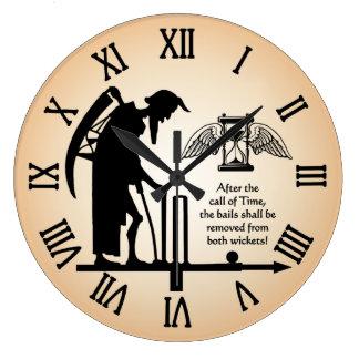 Vieille horloge de cricket de temps de père
