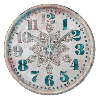 Vieille jolie horloge vintage antique