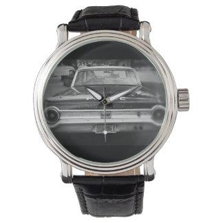 Vieille voiture de police - montre noire