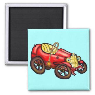 Vieille voiture rouge magnet carré