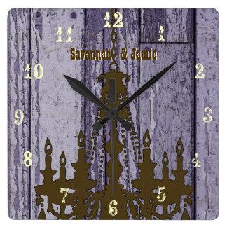 Vieux bois pourpre rustique de lustre personnalisé horloge carrée