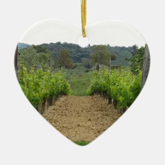 Vignoble au printemps. La Toscane, Italie Ornement Cœur En Céramique