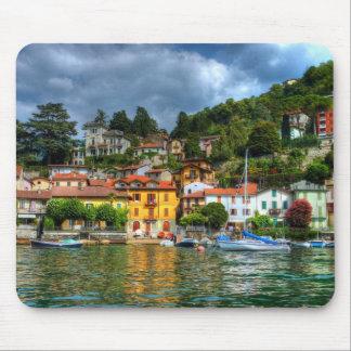 Ville colorée outre de lac Como Tapis De Souris