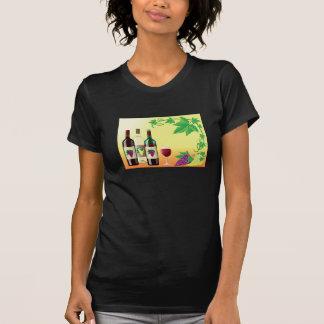 Vin avec le T-shirt des femmes de raisins