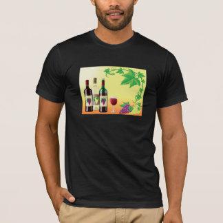Vin avec le T-shirt des hommes de raisins