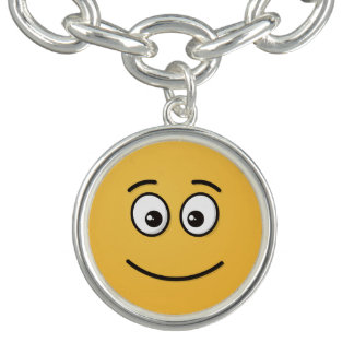 Visage de sourire avec les yeux ouverts bracelets avec breloques