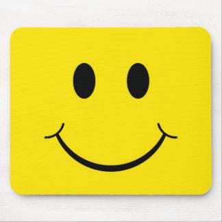 Visage heureux souriant jaune des années 70 tapis de souris