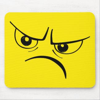 Visage souriant jaune fâché tapis de souris
