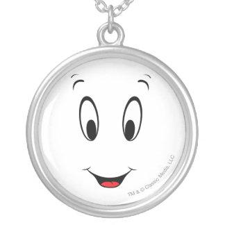Visage souriant superbe de Casper Collier
