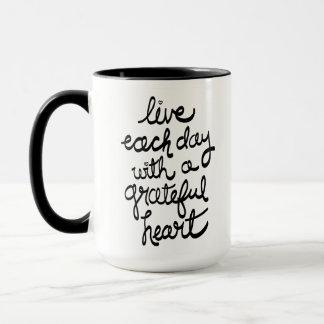 Vivent chaque jour avec une tasse reconnaissante