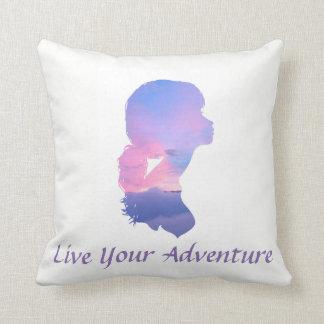 Vivent votre coussin de silhouette d'aventure