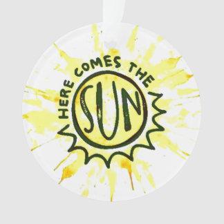 Voici venir l'ornement de Sun