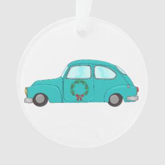 voiture bleue avec la guirlande de Noël