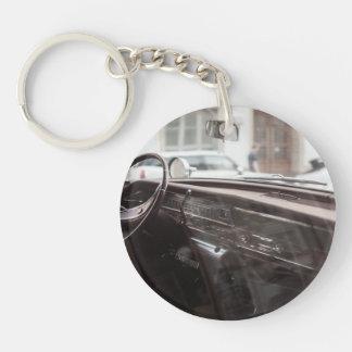 voiture porte-clé rond en acrylique une face