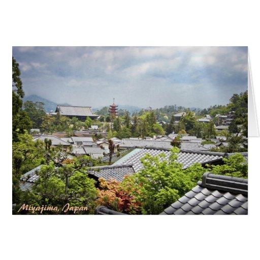 Vue au-dessus de village de Miyajima Cartes De Vœux