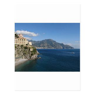 Vue de côte d'Amalfi vers Majori Carte Postale