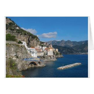 Vue éloignée d'Atrani sur la côte d'Amalfi Carte