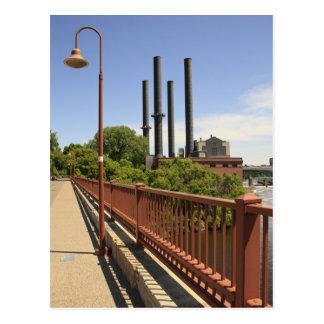 Vue en pierre de pont de voûte carte postale