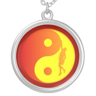 Yin et grimpeur de Yang (rayon de soleil) Collier
