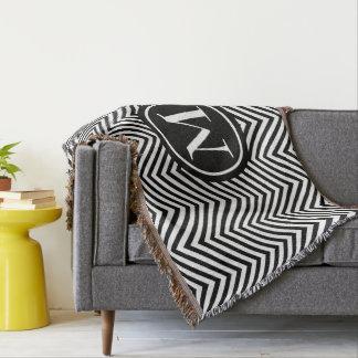 Zigzag noir et blanc décoré d'un monogramme - couvre pied de lit