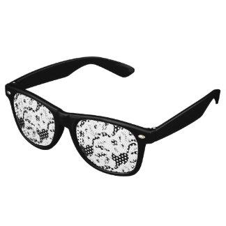 Zwarte Kat op de straat Retro Zonnebril
